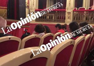 El director general de Emergencias de Murcia cesa por irse al teatro en plena DANA
