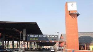 Vista del acceso a salidas de la estación de tren Puerta de Atocha de Madrid.