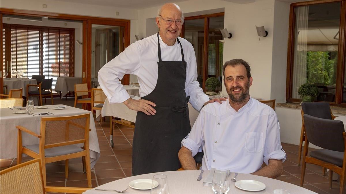 Jaume Subirós y su hijo Jordi, que ahora dirige las cocinas de El Motel.