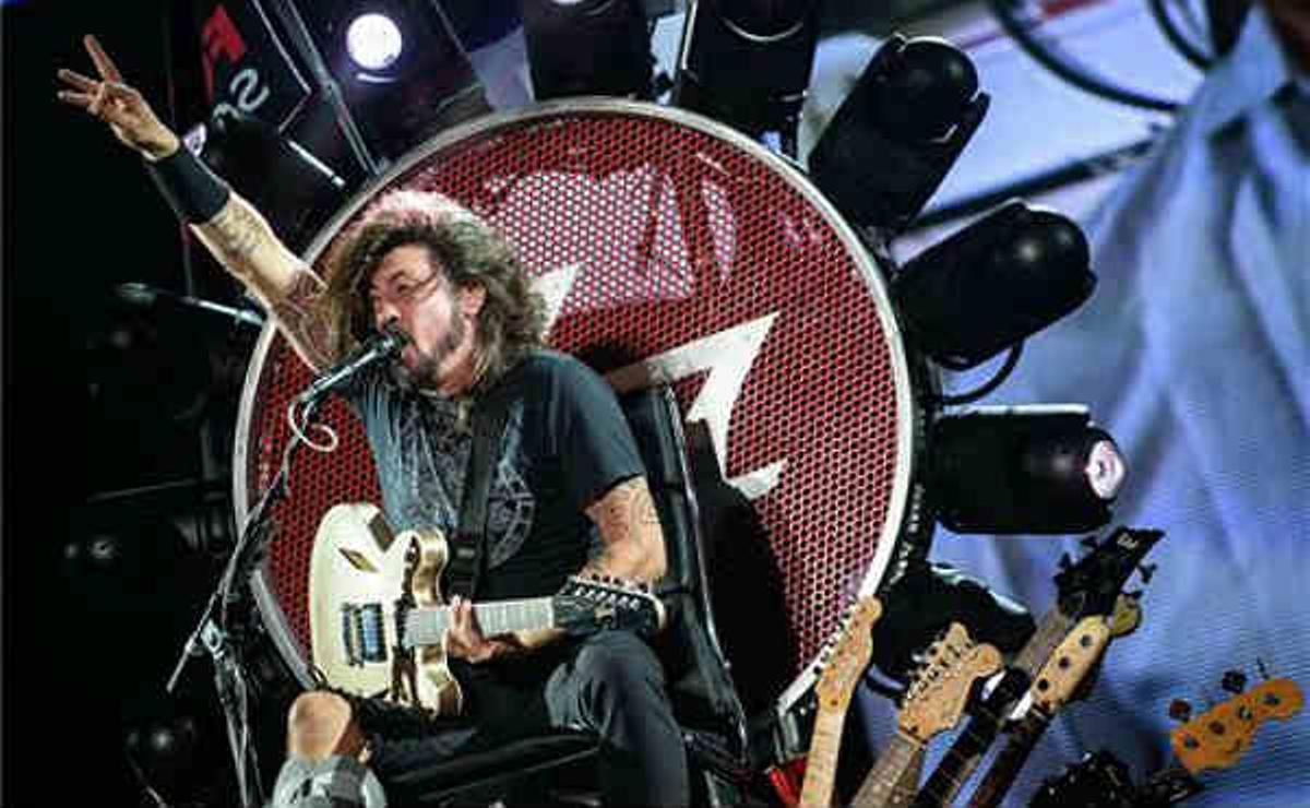 Dave Grohl agradeció el gesto de 'Rockin 1000' y anunció que los Foo Fighters visitarán Cesena.