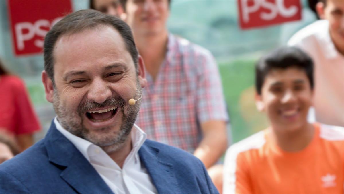 El ministro de Fomento, José Luís Ábalos, en un acto de los socialistas catalanes en L'Hospitalet de Llobregat, este sábado.
