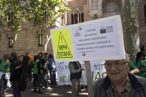 Protesta frente a la Audiencia de Barcelona contra el índice IRPH.
