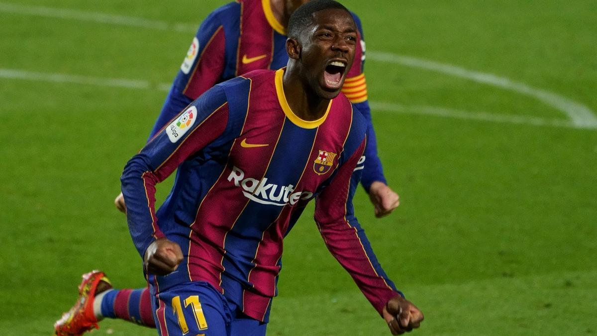 Dembélé corre eufórico después de anotar el 1-0 sobre el Valladolid.