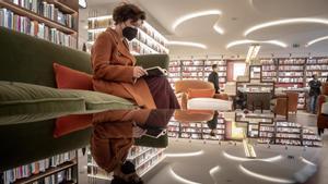 Una librería para leer. Vista de la Finestres horas antes de abrir sus puertas al público.