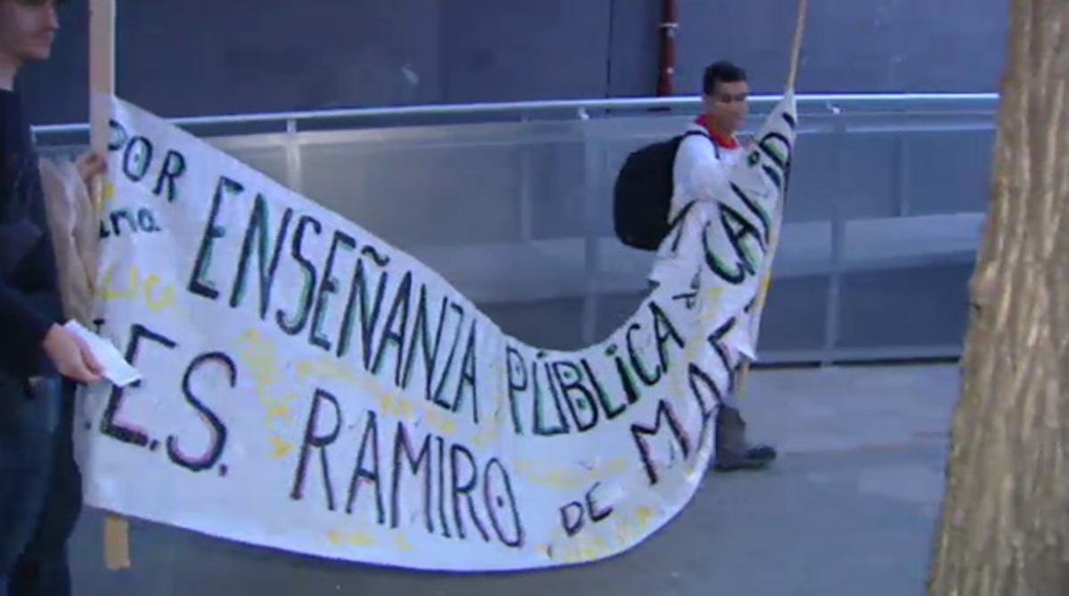 Hoy comienza una nueva huelga de tres días de los estudiantes de secundaria contra los recortes planteados por el minsitro Wert.