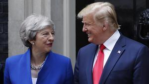 Donald Trump, presidente de Estados Unidos, y la primera ministra británica, Theresa May, durante su encuentro este martes en Downing Street.