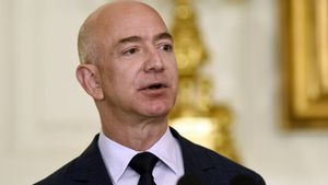 FILE - In this May 5  2016  file photo  Jeff Bezos  the founder and CEO of Amazon com  speaks in the State Dining Room of the White House in Washington  Bezos said Thursday  Sept  13  2018  that he will start a  2 billion charitable fund to help homeless families and open new preschools in low-income neighborhoods   AP Photo Susan Walsh  File