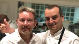 Los chefs Romain Fornell y Albert Adrià, en La Gavina.