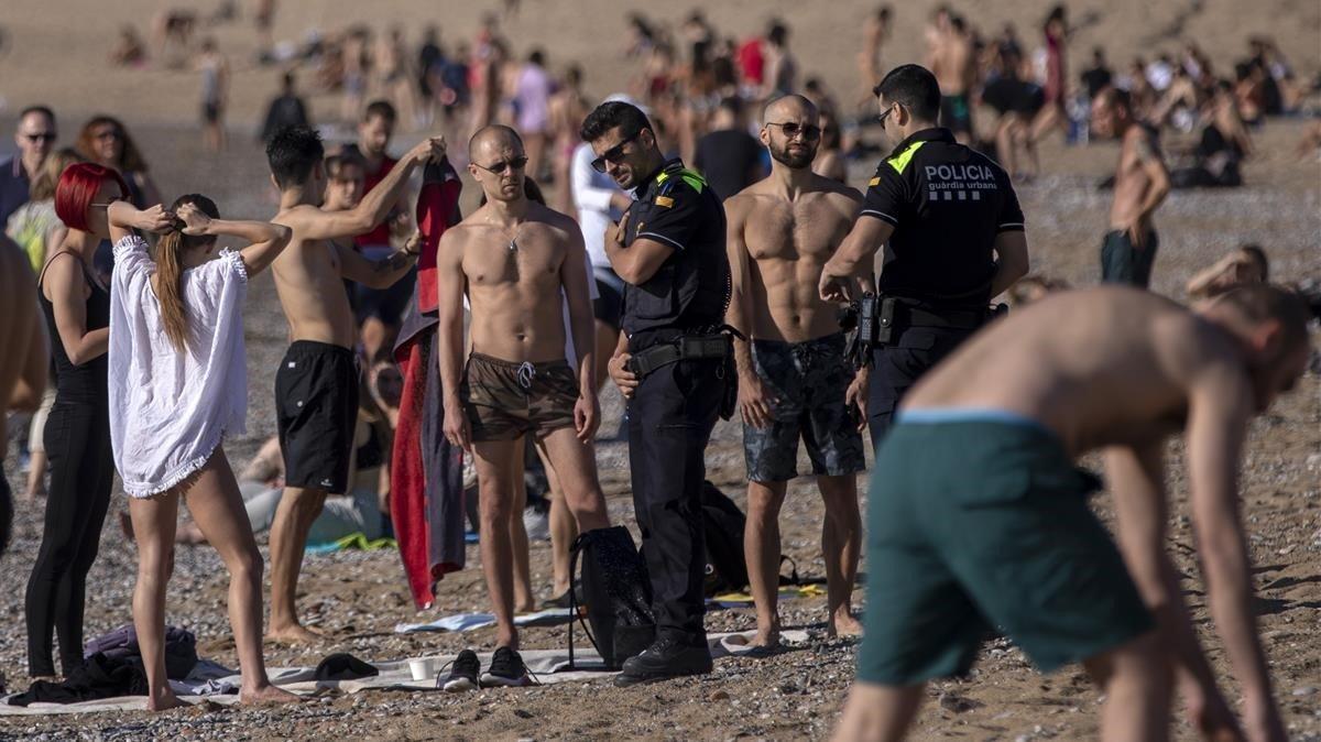 Trilla, sobre les imatges a les platges: «Això no pot ser així de cap manera»