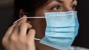 Correus ordena identificar i retirar 1.400 mascaretes defectuoses