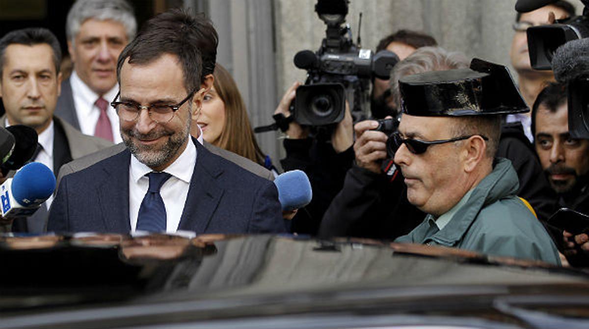 El embajador de EEUU en España elude las preguntas de los medios