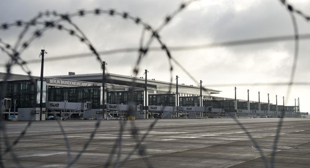 Exterior del aeropuerto en obras de Berlín.