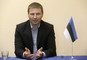 El ministro del Interior estonio, explicando el intercambio de espías en una rueda de prensa.
