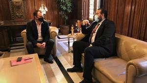 Reunión entre el alcalde de Terrassa, Jordi Ballart, y el alcalde de Mataró, David Bote.