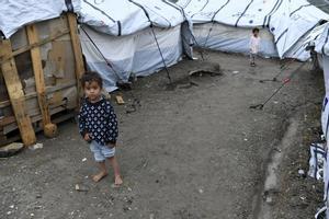 Un niño migrante en el el campo de refugiados Moria, en el sureste de la isla de Lesbos (Grecia)