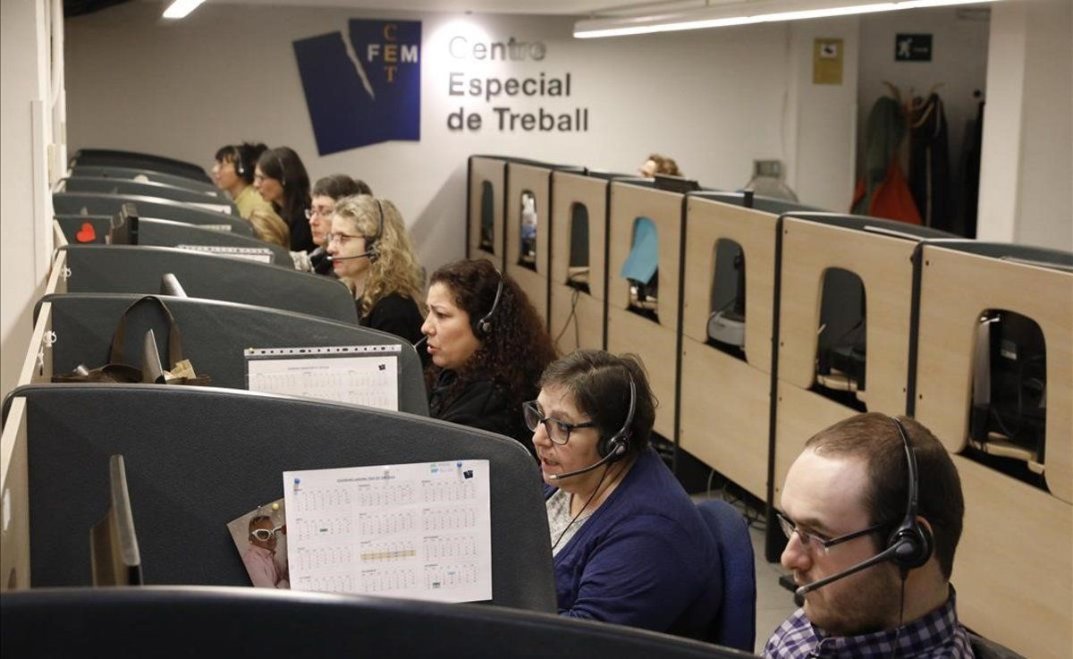 FEM-CET. Actividad en el Centro Especial de Trabajo de la Fundació Esclerosi Múltiple.