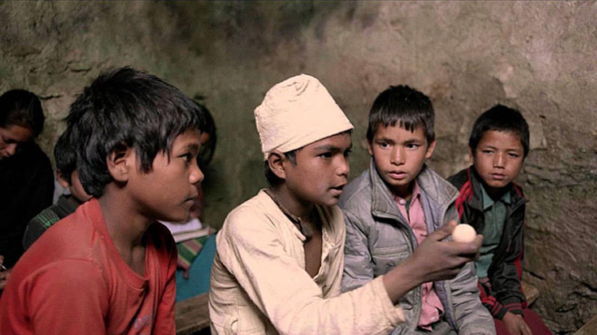 Tráiler de 'Kalo Pothi, un pueblo de Nepal'.Vose (2015)