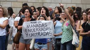 Protesta en Barcelona contra la violación múltiple de Manresa que se ha juzgado esta semana.