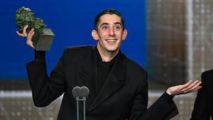 Enric Auquer, premio al mejor actor secundario por 'Quien a hierro mata'.