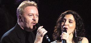 Umberto Tozzi y Elena Ka, en el 2003.
