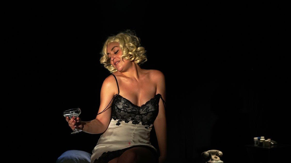 Galisteo se mete en la piel de Marilyn yrecreasu última noche.