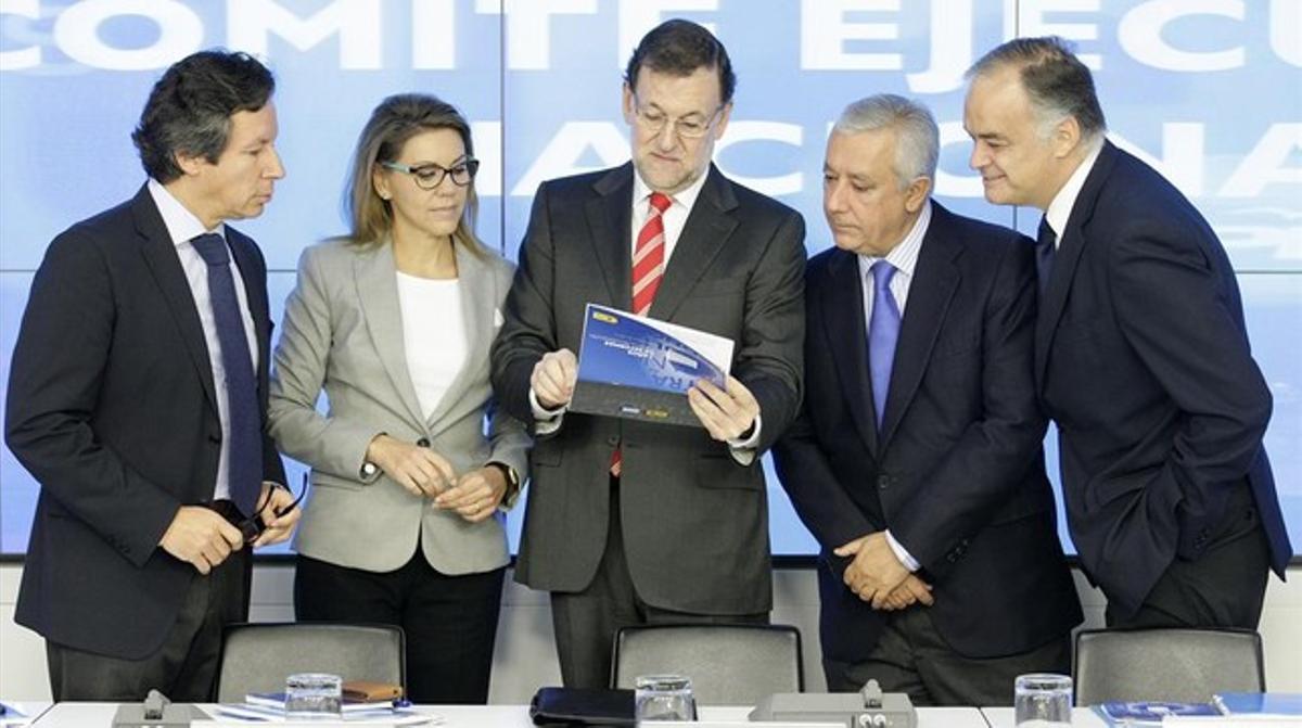 Floriano, Cospedal, Rajoy, Arenas y González Pons, este miércoles, en el comité ejecutivo nacional del PP.