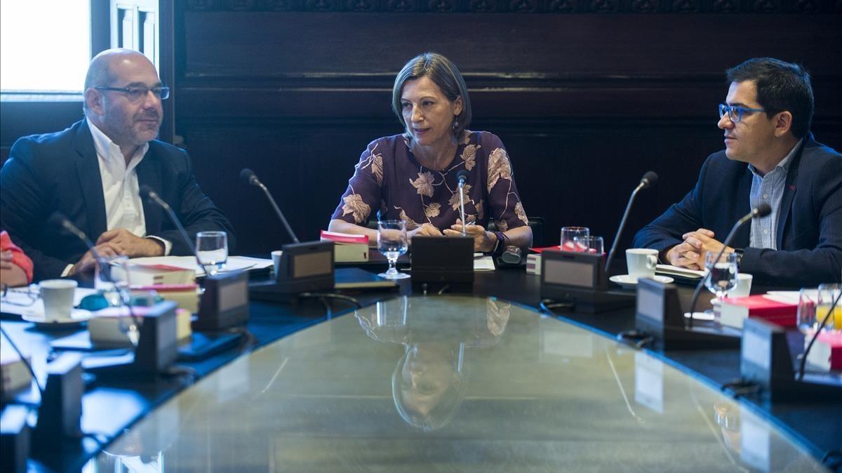 Carme Forcadell, durante una reunión de la Mesa del Parlament.