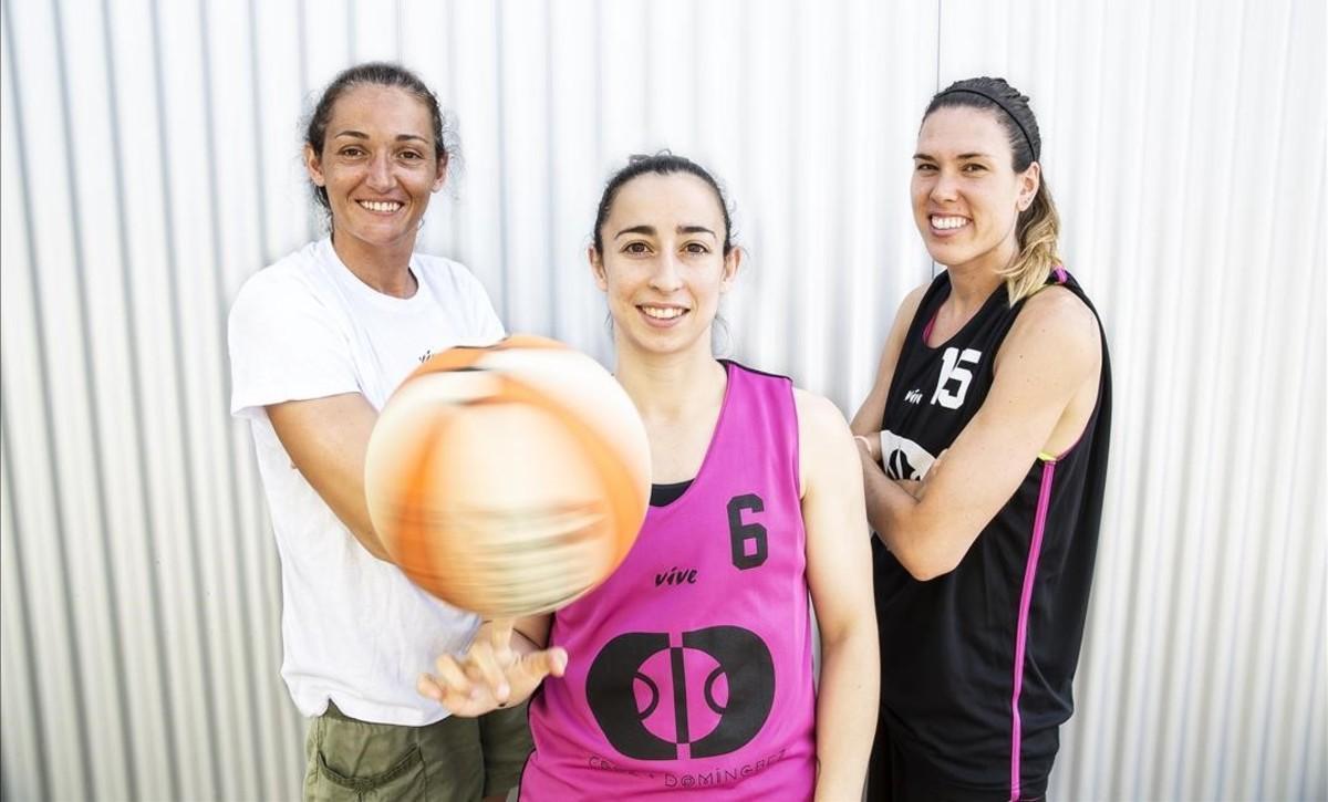 Laia Palau, Silvia Domínguez y Anna Cruz posan antes de viajar a Río para afrontar los Juegos