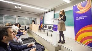 Acto de Societat Civil Catalana en la UAB en el 2016.