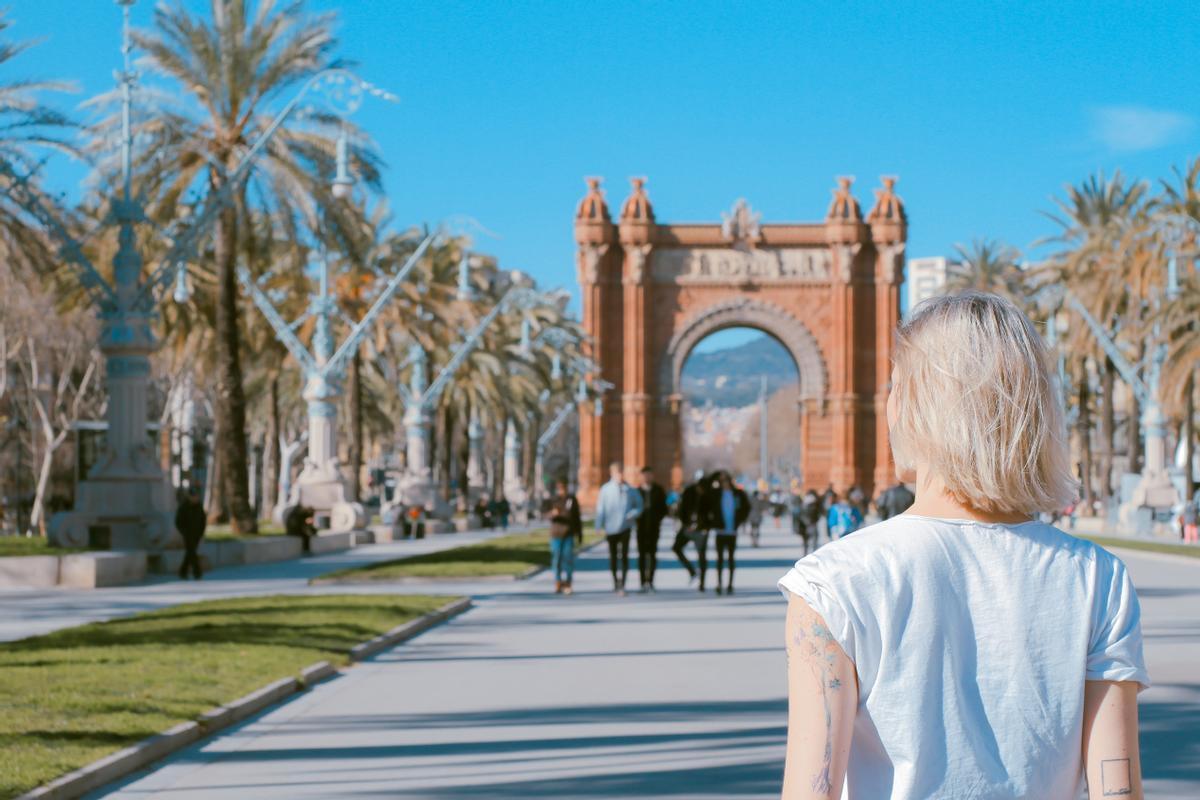 Paseantes en el centro de Barcelona
