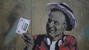 Pintura del artista TvBoy sobre Juan Carlos en Barcelona