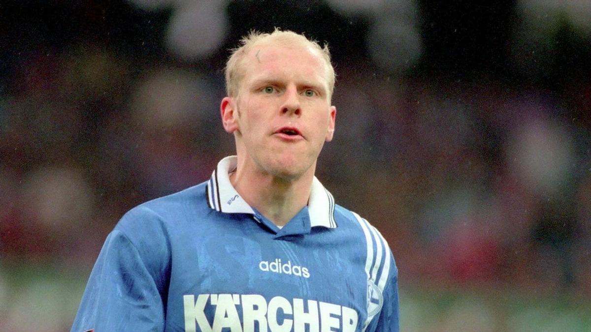 Yves Eigenrauch, en un partido de la Copa de la Uefa contra el Brujas, el 3 de diciembre de 1996.