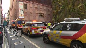 Una dona mor al precipitar-se al buit de les escales del CaixaForum de Madrid