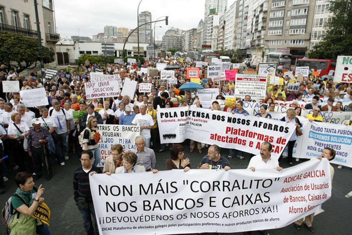 Manifestación de afectados por las participaciones preferentes de Novagalicia Banco.