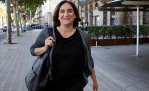 """Colau, """"sorpresa"""" amb Valls, insisteix en un pacte amb ERC i el PSC"""