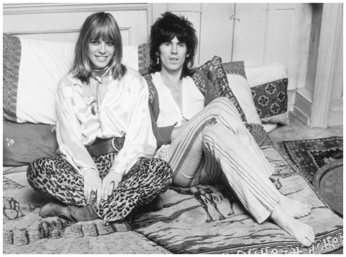 Anita Pallenberg y Keith Richards, compartiendo afectos, adicciones y ropa.