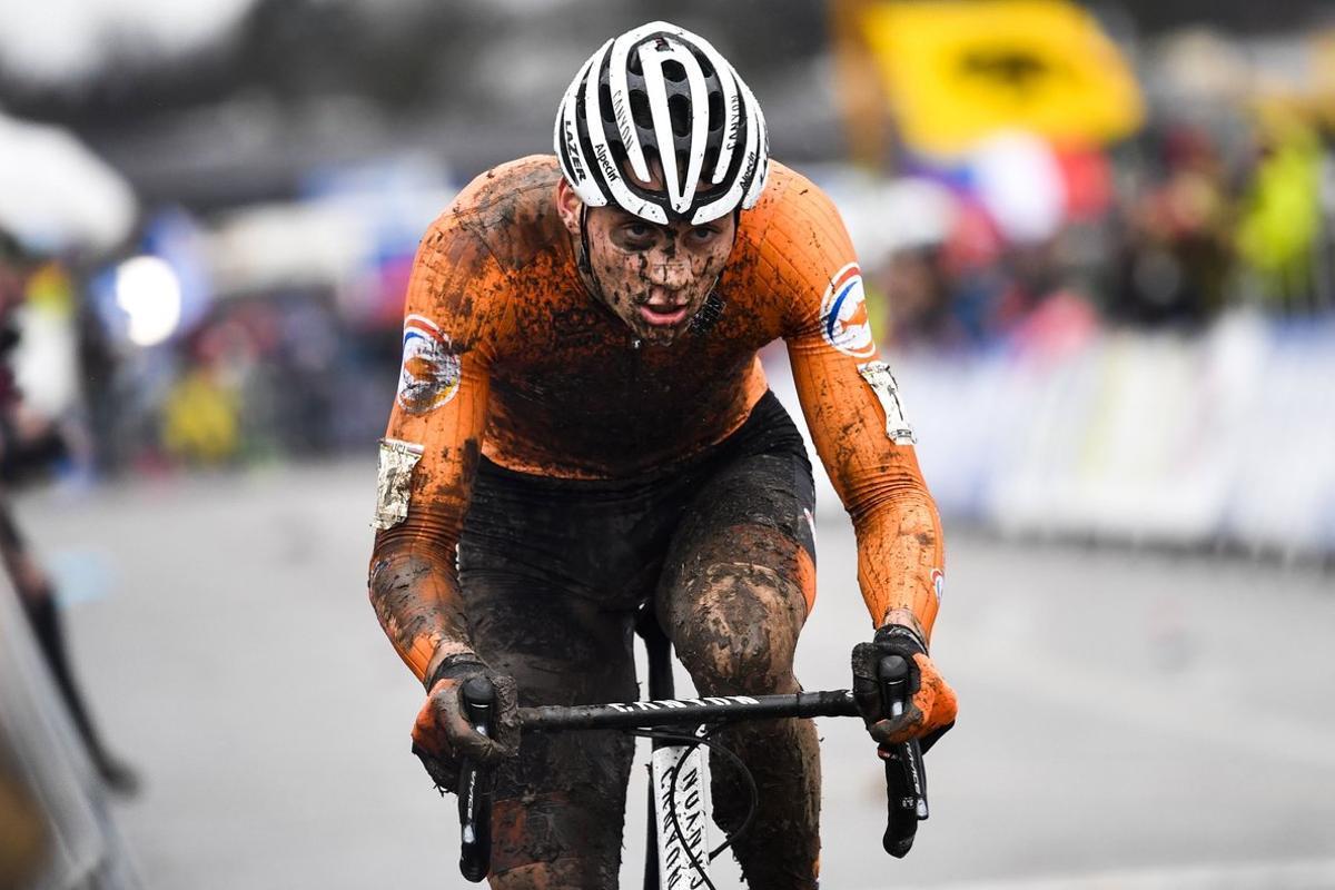 Mathieu van der Poel, camino del título mundial de ciclocrós 2020, el 2 de febrero.