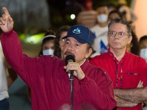 La policia de Nicaragua entra a la casa d'un periodista i l'acusa de tenir drogues