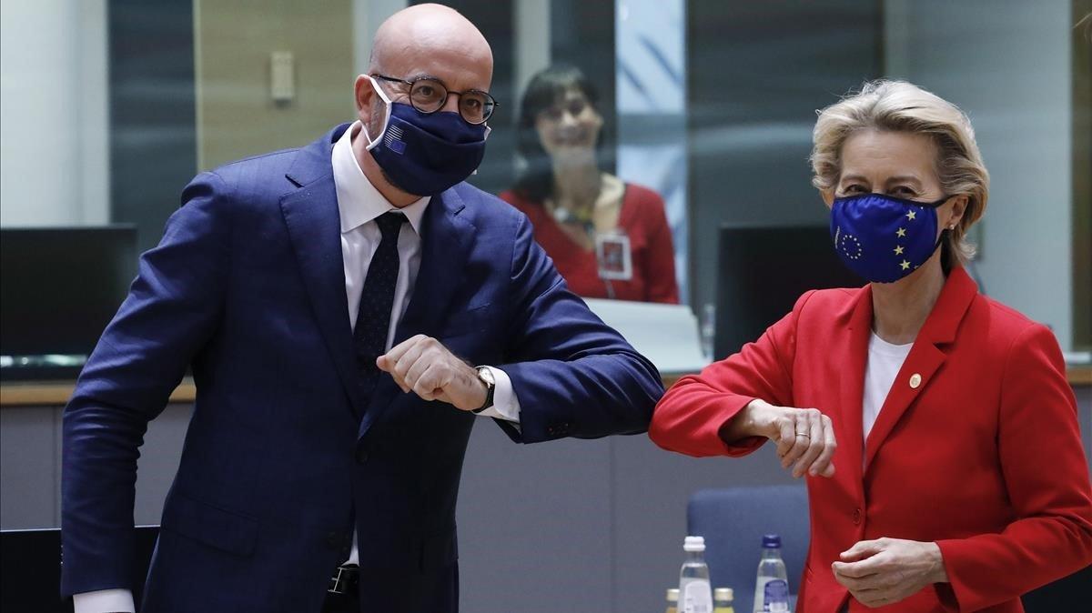Charles Michel y Ursula von der Leyen en el inicio de la cumbre extraordinaria en Bruselas, el pasado 1 de octubre.
