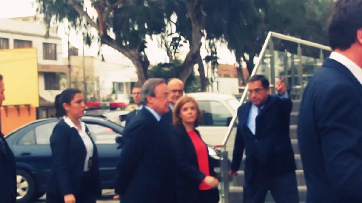 Abucheo a Soraya Sáenz de Santamaría en la nueva sede de ACS en Lima.