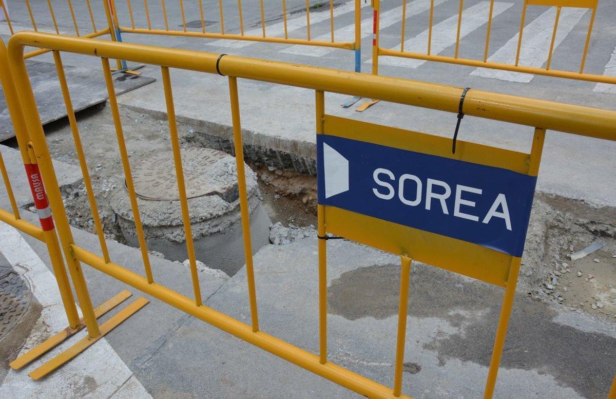 Este martes 7 de enero, la empresa Sorea retoma los trabajos de renovación de la red de suministro de agua de la calle Lourdes.