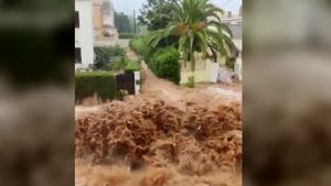 Un fuerte aguacero causa inundaciones en Alcanar y Sant Carles de la Ràpita