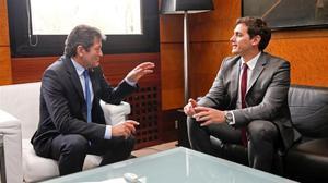 Javier Fernández y Albert Rivera, en la reunión que han mantenido este viernes en Oviedo.