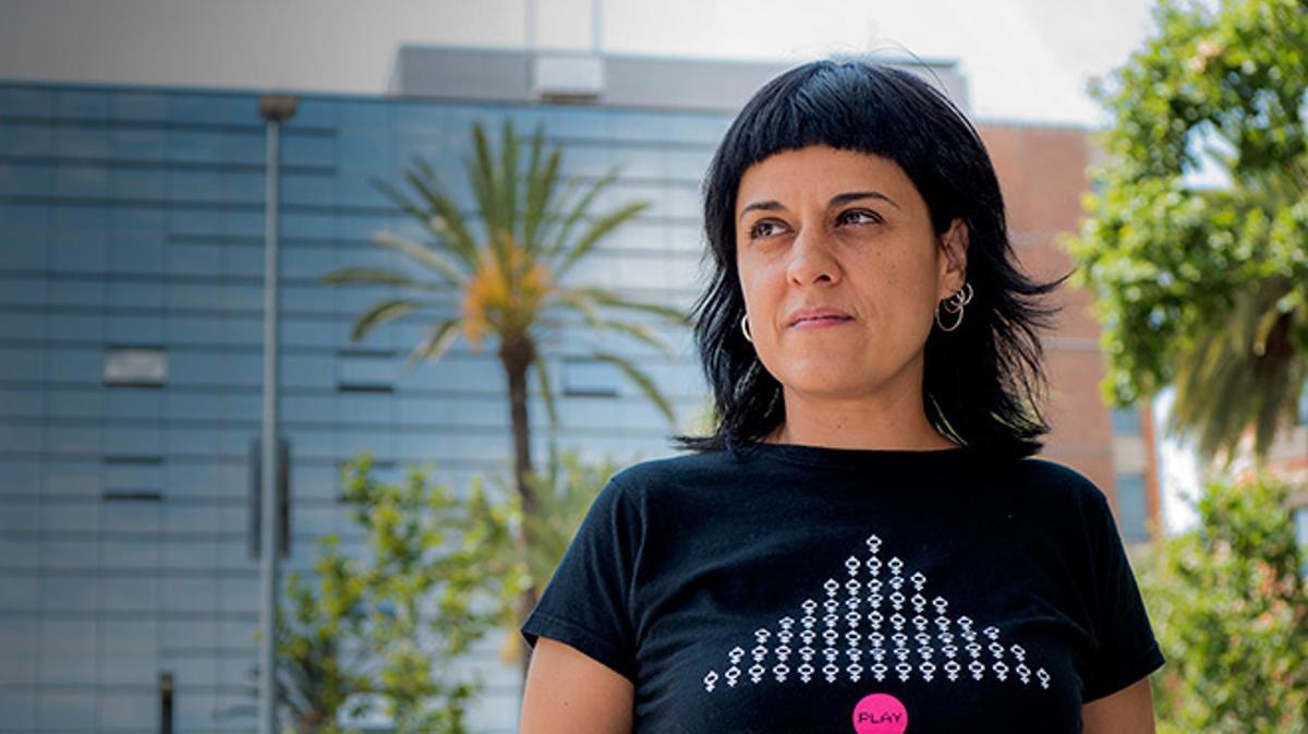 La diputada de la CUP, Anna Gabriel, responde a las preguntas de EL PERIÓDICO.