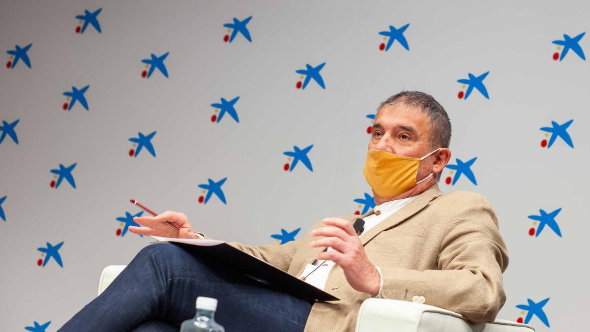 Luis Camarero, Doctor en Ciencias Políticas y Sociología por la UNED