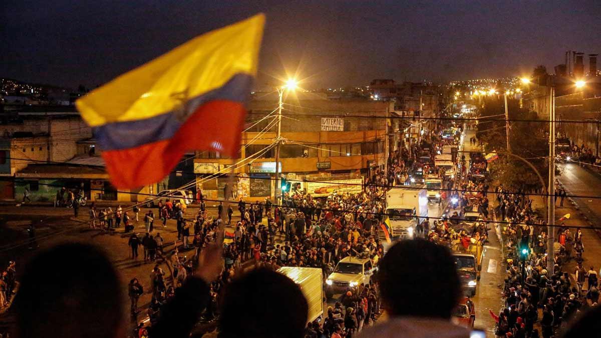 Protestas en Ecuador por el aumento del precio del combustible.