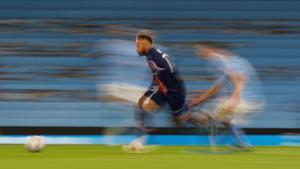 Neymar, en el duelo contra el Paris SG de la Champions en el Etihad.
