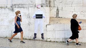 Portugal desenvolupa la primera mascareta que inactiva el coronavirus