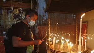 Reobre l'església de la Nativitat a Betlem després de gairebé tres mesos tancada