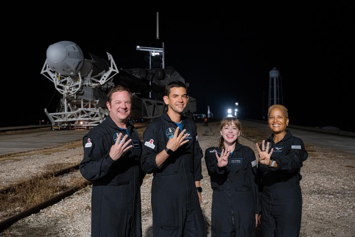 La tripulación Inspiration4, antes de ponerse en órbita.